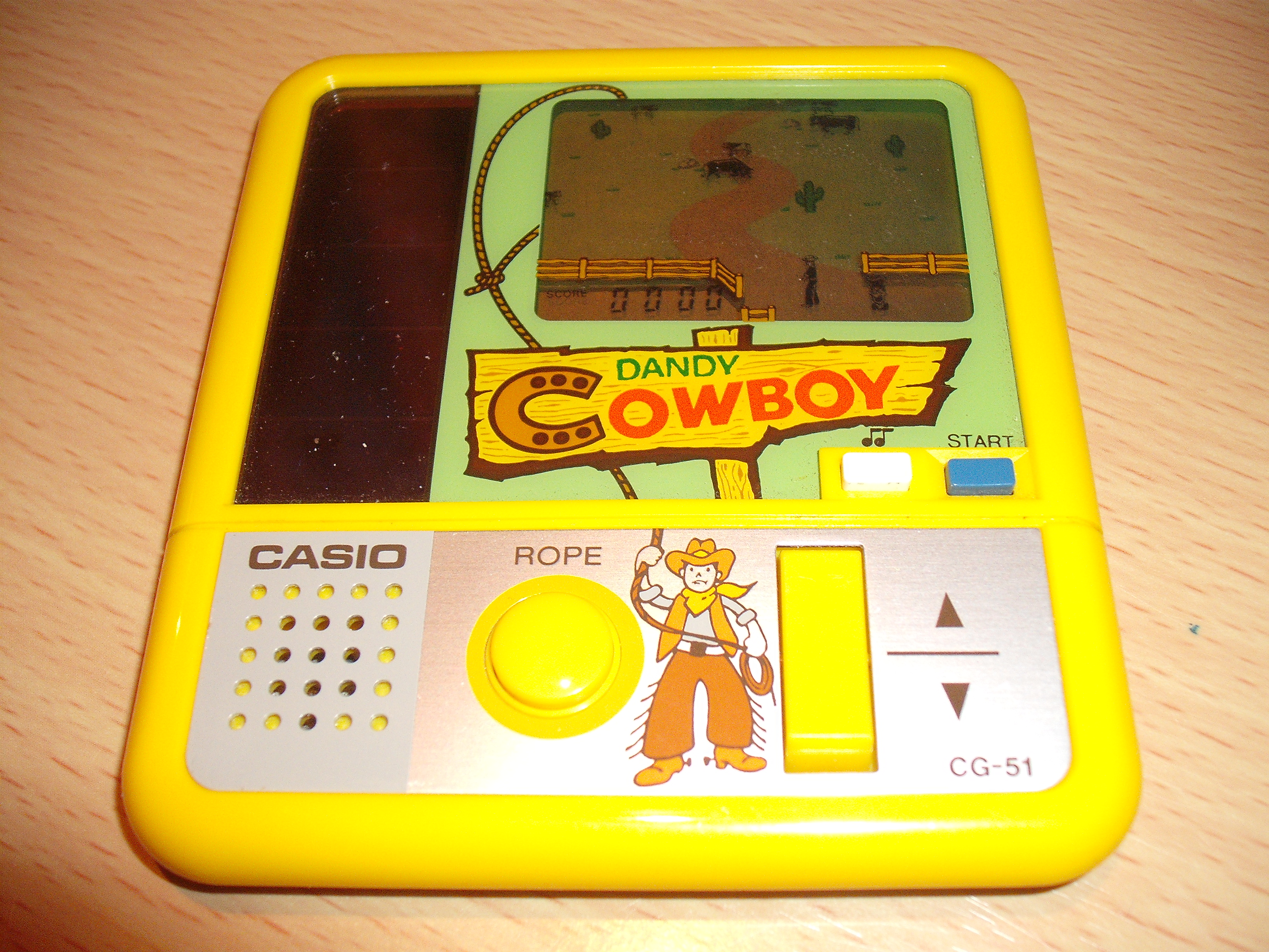 Cette pièce de collection dont je ne me séparerais JAMAIS !!! (mon précieeeeuux) 412_3192_1329509777001_Casio_Dandy_Cowboy